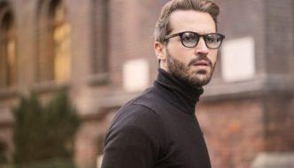mand med briller